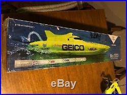 Pro Boat Miss Geico 17 Catamaran Upgraded Servo, Brushless Motor & ESC With Lipos